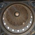 Petersdom -- große Kuppel innen