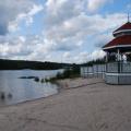 Zusatztag -- Kleiner See mit Strand